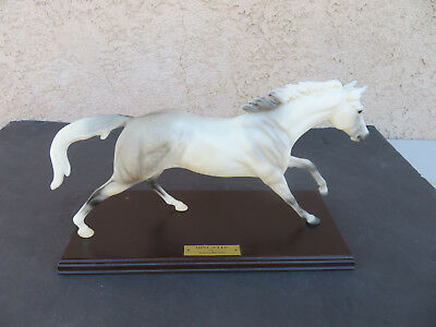 Breyer '' Mint Julep '' Signed Limited Edition !