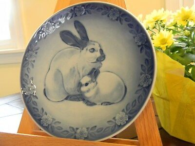 Mothers Day Plate, 1985 ,Royal Copenhagen, Mother & Baby Bunny In Porcelain
