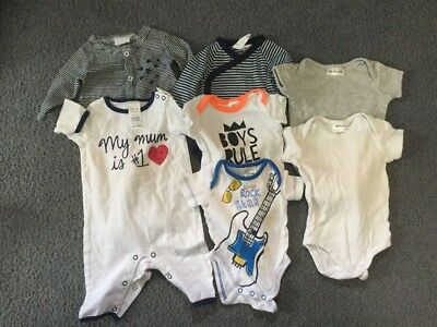 Bundle Of Baby Clothes 000
