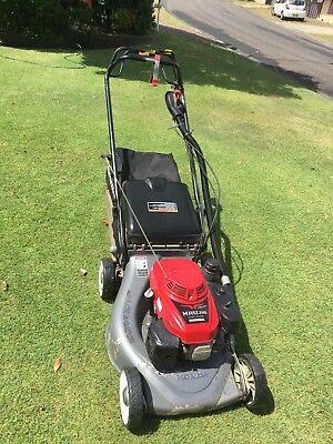 Honda  HRU 216    3 Speed Self Propelled Mower