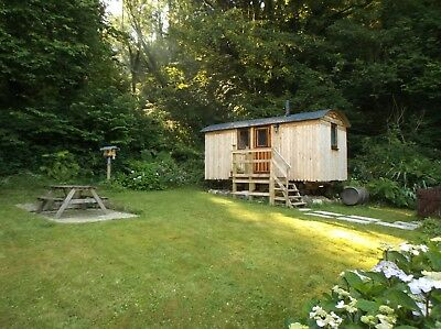 3 nights short break shepherds hut, West Wales,secluded,&exclusive.for two £150.