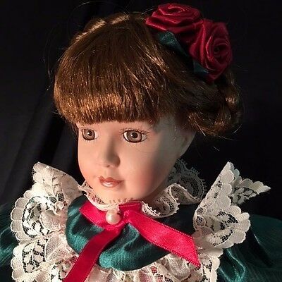 """16"""" Unbranded Brown Hair Eyes HOLIDAY THEMED Porcelain Doll RED GREEN Christmas"""