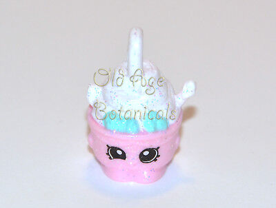 EXCLUSIVE Shopkins Pink YO CHI Charm Glittery Finish From JEWELRY Collection