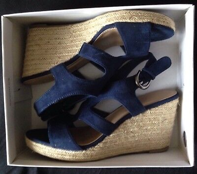 RRP $84.95 SAVANNAH platform Heels. Navy Blue Shoes Only Worn 4 Hours Size 9 New
