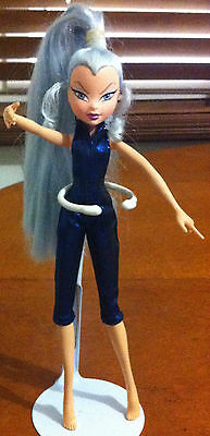 Hard To Find Near Mint Original Out. Winx Club Icy Trix Doll From 2004 Series 1