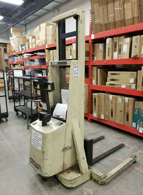 Crown 20MT Walkie Stacker Lift Truck: NO SHIPPING, PICK UP ONLY in St Louis MO