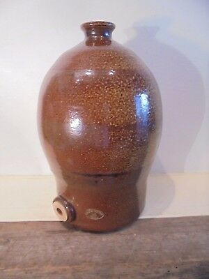 Bendigo , Epsom , Australian Pottery Flagon , Marked . ( Alex Gill )