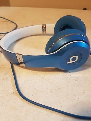 beats by dr dre solo 2  headphones blue and white  wired store demo please read