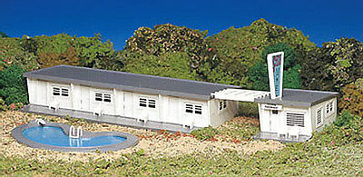 Bachmann Motel with Pool - Plasticville Kit -for HO Model train layout