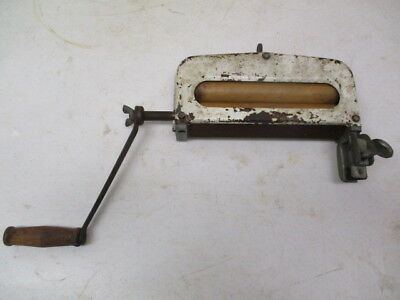 """Manual wringer for washing clothes-7 1/2"""" opening"""