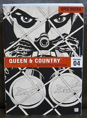 Queen & Country The Definitive Edition Volume 4 (Paperback), Greg Rucka