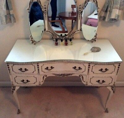 Dressing table  Cream kidney shaped,  Vintage style with Mirror