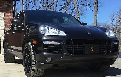 2009 Porsche Cayenne Turbo S 2009 Porsche Cayenne Turbo S 550 Hp twin turbo Awd pano roof low miles no issues