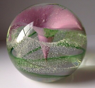 """Vintage Large ,,caithness""""  Glass Paperweight With Flower"""