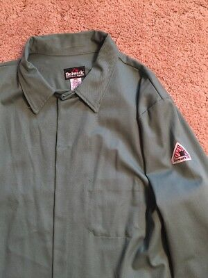 Bulwark  Flame resistant protective welding  jacket  size 2x green NEW w/o tags!