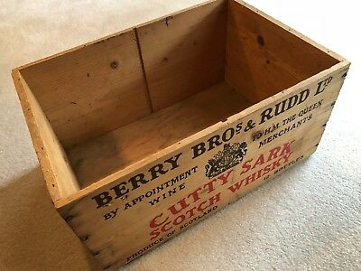 Vintage CUTTY SARK Whiskey Wood Crate Box Wine Merchants To The Queen