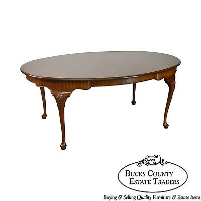 Henkel Harris Oval Cherry Queen Anne Dining Table w/ 3 Leaves