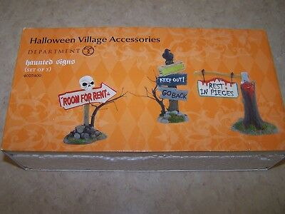 Dept 56 Snow Village Halloween   Accessory   Haunted  Signs   Set Of 3