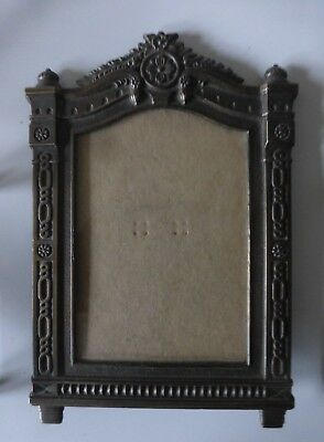 """Vintage Brass Glass Ornate Cast  Heavy Metal Table Picture Deco Frame 3.5"""" x 5"""""""