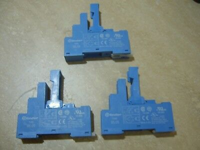 FINDER 95.05 RELAY SOCKETS with RETAINING & RELEASE CLIP (Quantity 3)