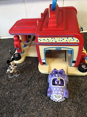Disney Mickey Mouse Club house Car Wash play set With Vehicle & Characters