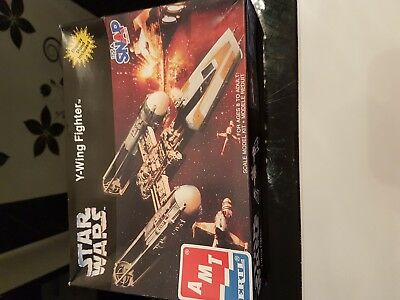 Star Wars Modell AMT Y-Wing Fighter 8934
