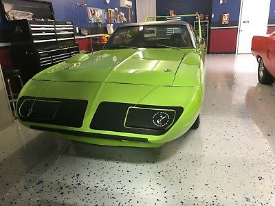 1970 Plymouth Road Runner  1970 Plymouth Roadrunner Superbird clone