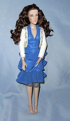 Tonner Doll - Twilight Bella Swan Kristen Stewart in School Prom Outfit
