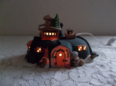 Dept 56 Dickens' Village Peggotty's Seaside Cottage 5550-6 Heritage Collection