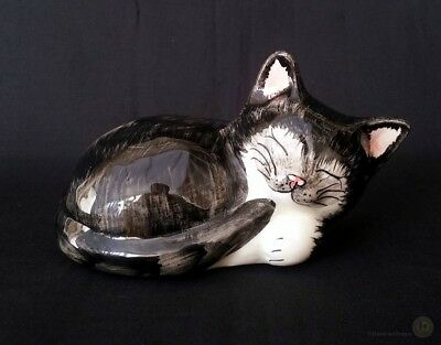 Vintage Babbacombe Pottery Sleeping Cat Black And White 12.5cm Long
