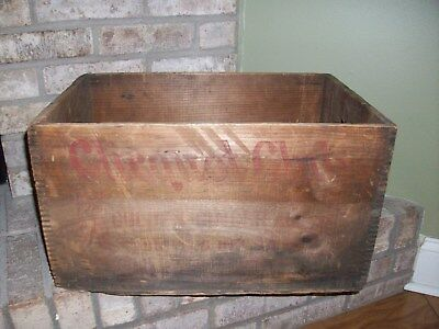 Vintage Clicquot Club Golden Ginger Ale Wooden Soda Bottle Crate Box Old Red