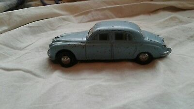 "triang spot on jaguar ""3.4"" 1'42 scale 99p start"