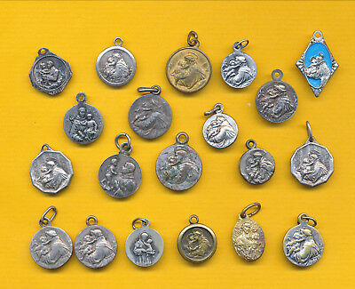 B125) Lot of 20 vintage heavy silvered Religious medal St Anthony of Padua