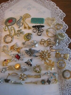 Vintage Jewelry Lot Of 40 Brooches Pins  Monet Avon Emmons Jj Marboux