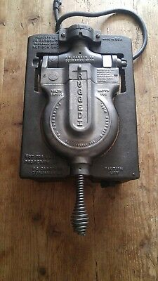 VINTAGE F. S. Carbon Co. Rugged I Cast Iron  Commercial Waffle Maker.RESTORED
