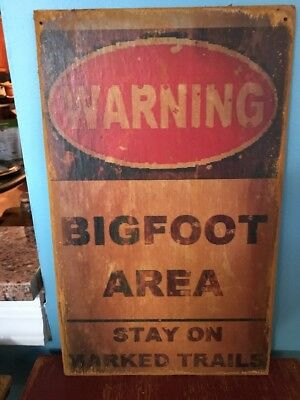 Vtg Wood Big Foot AT Trail Sign Log Cabin Hunting Lodge Camping Lake House RV