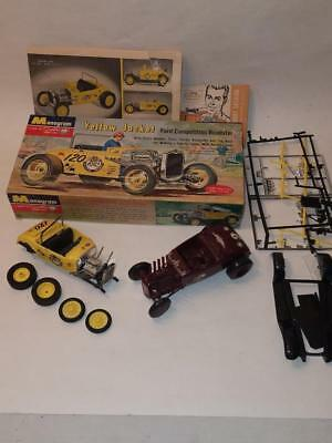 "VINTAGE 1962 MONOGRAM FORD ""YELLOW JACKET"" ROADSTER MODEL w/ BOX-EXTRA PARTS-NR"