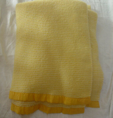 """Vintage ACRYLIC WAFFLE WEAVE THERMAL BLANKET - GOLDEN YELLOW & WHITE 68"""" x 74"""""""
