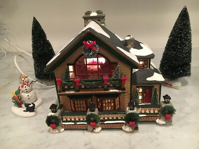 Dept 56 The Original Snow Village Christmas Lake Chalet #55061 Repaired