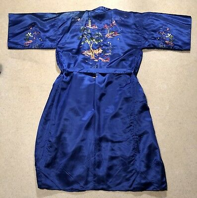 Men's  100% Silk Blue Robe Sz M Vintage
