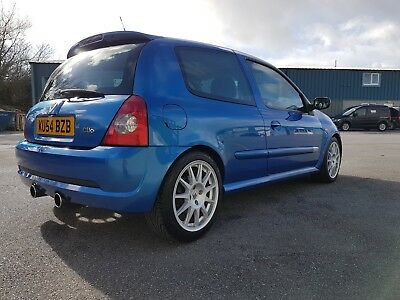 2004 RenaultSport Clio 182 (Both Cup Packs)
