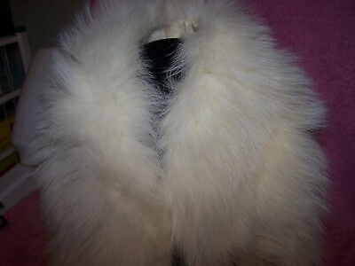 Vintage fur collar Wrap , white , Fur Flux , Very cute , Needs cleaning , LQQK