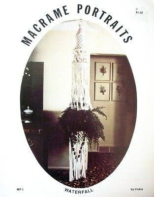 Vintage Macrame Book 1978 - MACRAME PORTRAITS by Vickie - Knots &Projects in VGC
