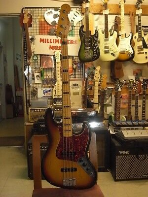 Fender JAZZ BASS(1972) with hard case