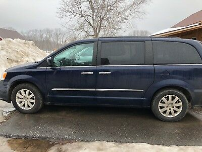 2015 Chrysler Town & Country Touring + 2015 Chrysler Town & Country Touring *LOADED*