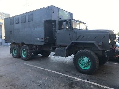 Military Truck Command Center 250 Cummins Diesel engine 6x6 body 17ft expansible