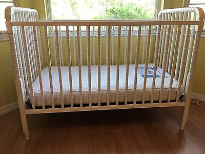 White DaVinci Jenny Lind 3-in-1 Convertible Crib / Sealy Mattress  PICK-UP ONLY!