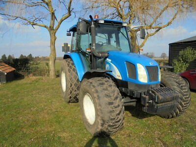 New Holland TL90A tractor