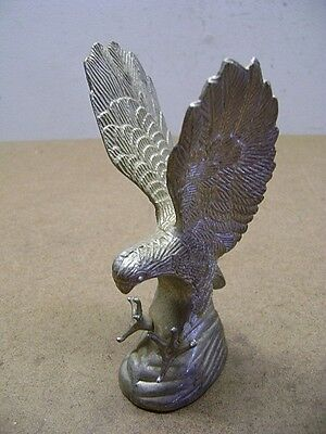 EAGLE PAPERWEIGHT 'CATCHING PREY' Mode Sculpture Desktop Paper Weight NICE!