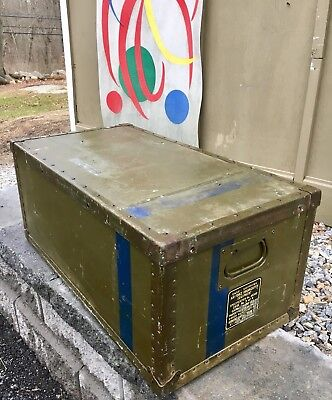 vintage 1944 WW2 era AIRFORCE trunk TRANSPORT CASE LARGE coffee Table INDUSTRIAL